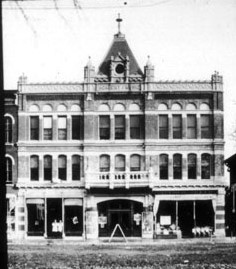 Photo courtesy of the Clarence L. Miller Family History Room, Kalamazoo Public Library, Kalamazoo, Michigan.